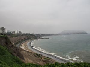 Vista di Lima e dell'oceano