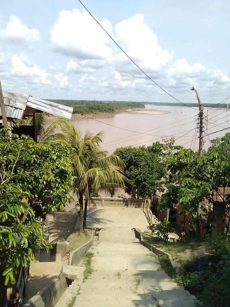 Vista sul fiume Paranapura che affluisce nel Huallaga i uno dei sobborghi di Yurimaguas
