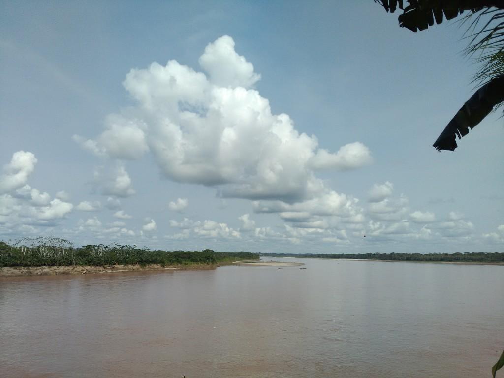 Vista sul fiume Huallaga i uno dei sobborghi di Yurimaguas